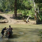 ktm 950 se water crossing thailand